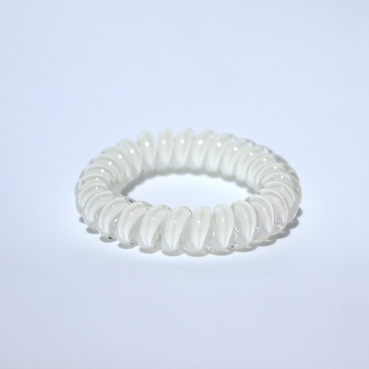 Biela gumička do vlasov Hairfix - Cool White
