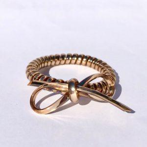 Tmavozlatá gumička do vlasov s mašličkou Hairfix - Metallic Bow Dark Gold